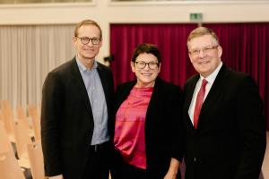 Michael Müller zusammen mit Christiane und Volkmar Halbleib (Foto: Maurice Schönen)