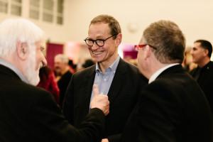 Michael Müller im Austausch mit Volkmar Halbleib und Peter Wesselowsky (Foto: Maurice Schönen)